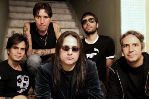 Viper se reune con cantante André Matos para tour 2012