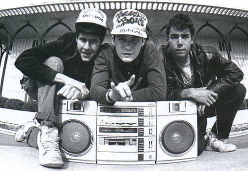 Beastie Boys denuncian a Monster