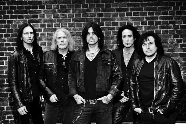 Thin Lizzy cambia su nombre a Black Star Riders