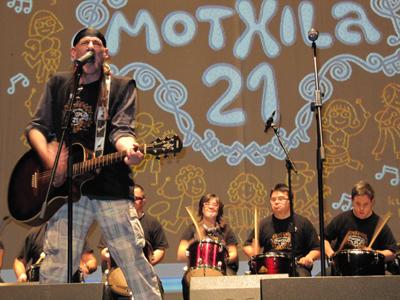 Motxila 21, el rock como motor de la integración