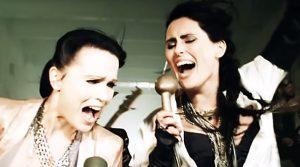 Tarja y Sharon den Adel en el videoclip de 'Paradise'