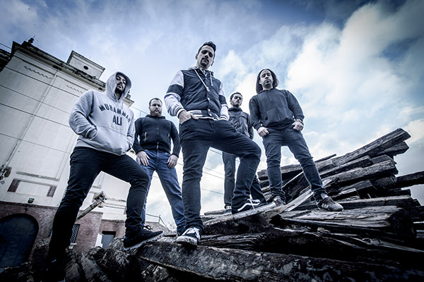 "Primer single de Goddamn ""From the ashes"""