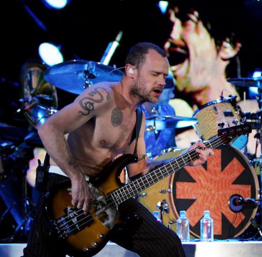 "Nuevo Disco De Red Hot Chili Peppers: ""Será Súper Bailable"" – Flea"