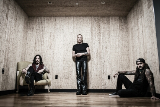 THE WINERY DOGS nos visitan en Febrero